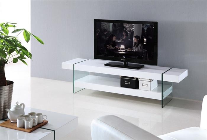m vel tv 1600x400x400mm vidro e lacado branco gatsby na loja ricardo e vaz decora o de. Black Bedroom Furniture Sets. Home Design Ideas